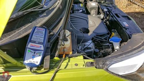 Хранение аккумулятора с помощью зарядного устройства optimate 6
