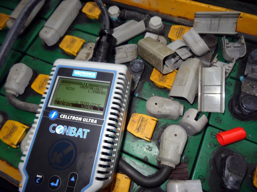 DSC02224 1024x768 - Тестирование тяговых аккумуляторных батарей